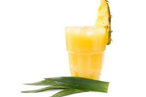 Juice med aloe vera og ananas