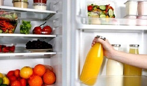 11 madvarer du aldrig må komme i køleskabet