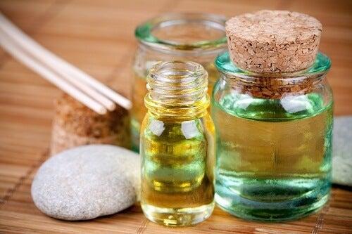 4 olier du kan bruge til at reparere ødelagt hår