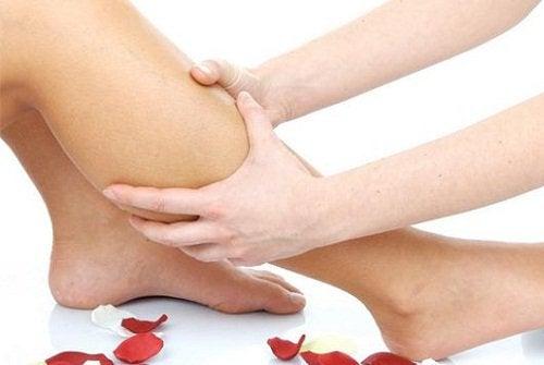 Kvinde får lægmassage.
