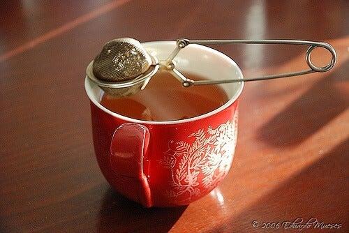 Te i rød kop