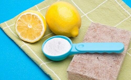 Naturlig og billig rengøring af hjemmet