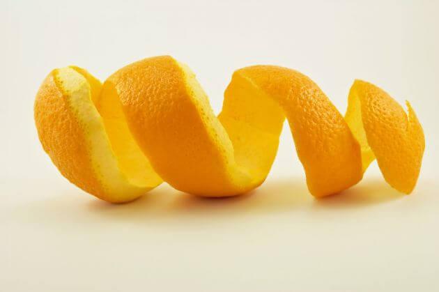 Appelsinskræl kan blege dine tænder