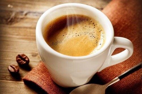 Øger kaffe appetitten?