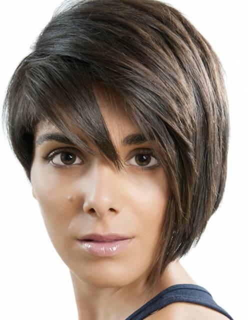 Kvinde med smalt ansigt