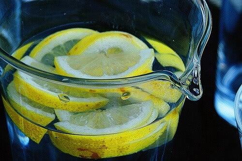 drikke kogt vand