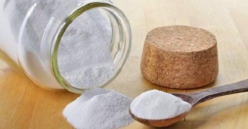 Natron er et meget alsidigt produkt. Det kan bruges til mange ting i hjemmet - bl.a. til at fjerne vorter med.