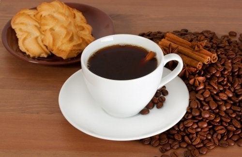 Kop kaffe og smaakager