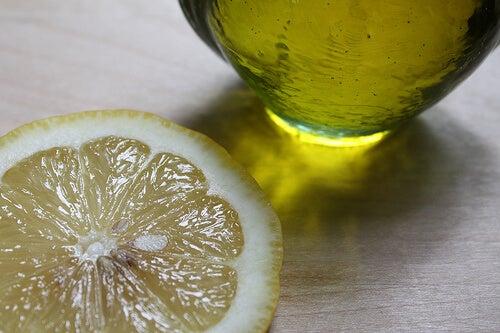 Olivenolie og citron