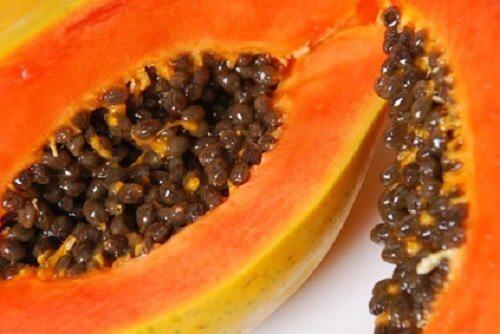 Lær at spise papaya og drag nytte af de mange fordele