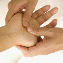 Du kan opleve snurren i hænder og fødder, men bare rolig. Du kan let lave øvelser, der afhjælper problemet.