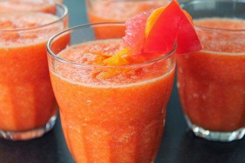 Tab dig ved at drikke grapefrugtjuice før du spiser