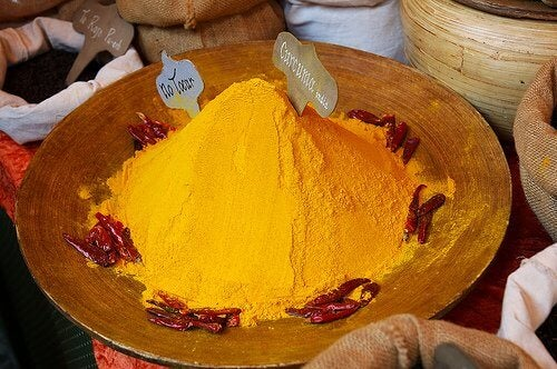 Gurkemeje krydderi med mange fordele
