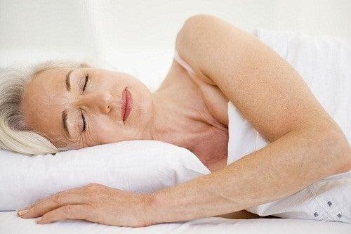 Kvinde der sover - er forgiftet