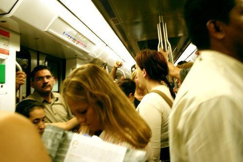 Personer i et tog - vaegtstigning efter en kur