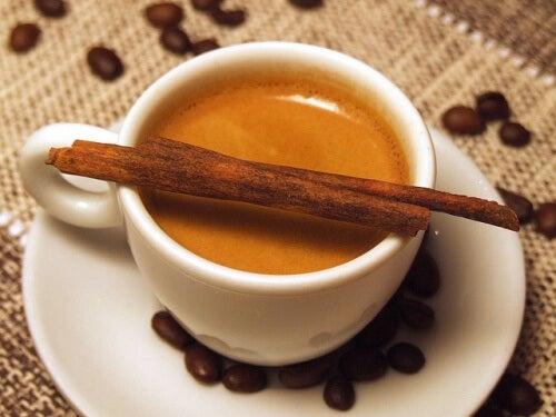 Sådan kan du drikke kaffe på en sund måde