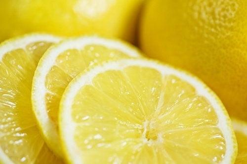 citron basisk eller sur