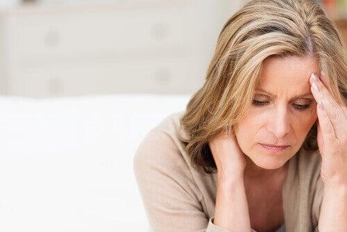 Kvinde i overgangsalderen
