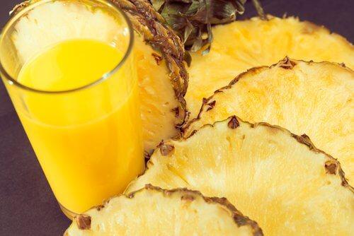 Ananas - Opsvulmede haender