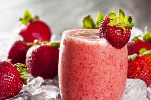 Jordbaer smoothie - risikoen for hjerteanfald