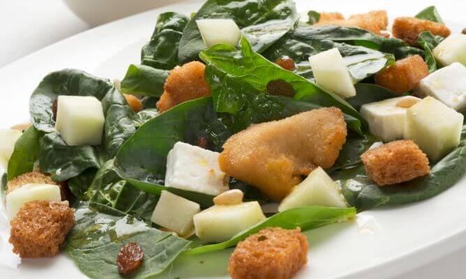 Spinat salat.