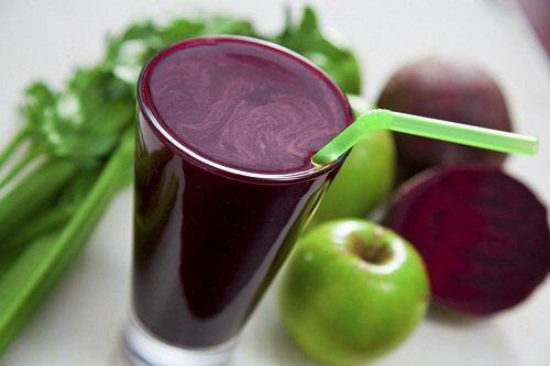 Bekæmp træthed med juice af rødbede og æble.