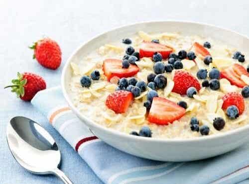 10 utrolige fordele ved havregryn og en morgenmadsopskrift