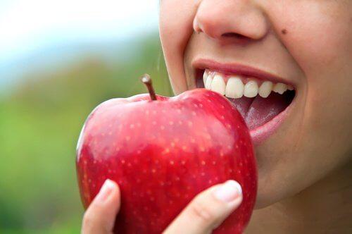 Bør man spise frugt efter aftensmaden?