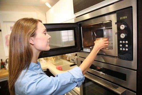Pas på! Disse 7 fødevarer bør aldrig genopvarmes