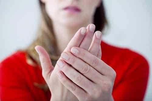 Hvorfor har man kolde hænder og fødder året rundt?