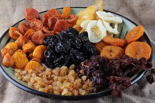 Tørret frugt styrker knoglerne og bekæmper træthed