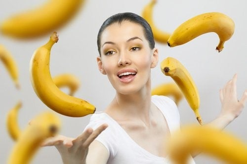 Kvinde med bananer