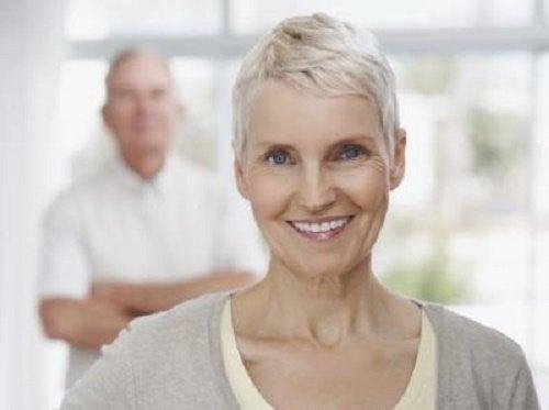 Kvinder oplever at tage på i overgangsalderen