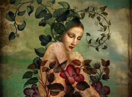 Kvinde og nogle blomster