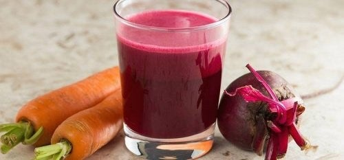 Rensende rødbede- og gulerodssmoothie til lever og blod