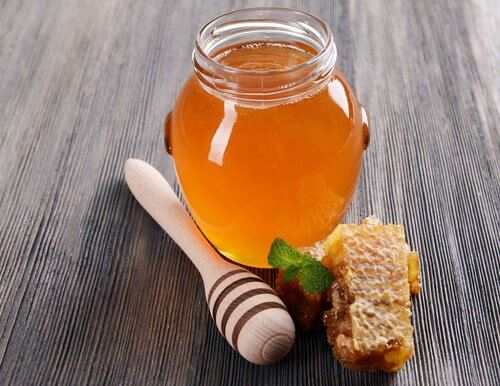 Honning paa glas