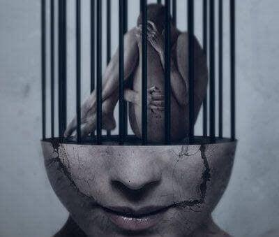 Person der er fanget i et bur