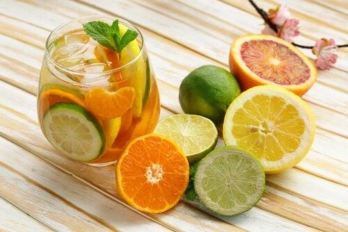 Få vitamin c fra citrusfrugter, hvis du er træt.