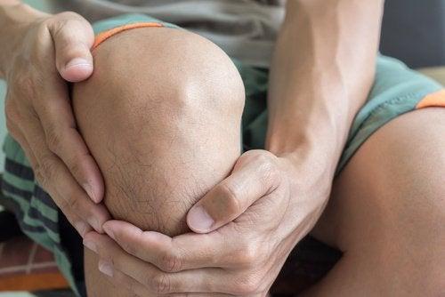 knæk i knæet