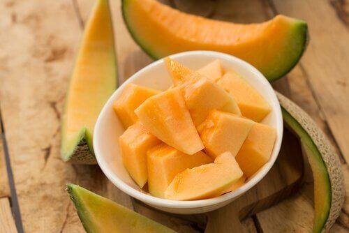 Sænk dit kolesteroltal med melon og banan smoothie - Bedre Livsstil