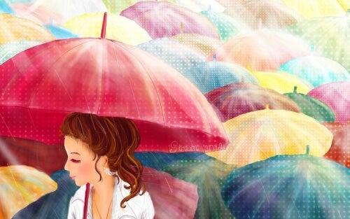Farverige paraplyer til overskyede dage