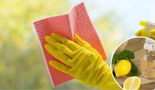 Tricks til at rengøre glasflader og vinduer