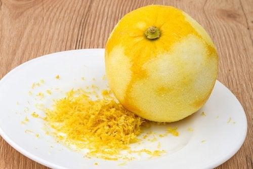 Du kan bruge citronskal til mange ting