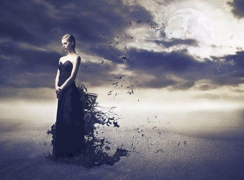 kvinde_sort_kjole