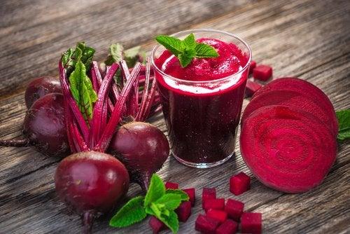 Afgift din lever med denne blåbær- og rødbede-smoothie