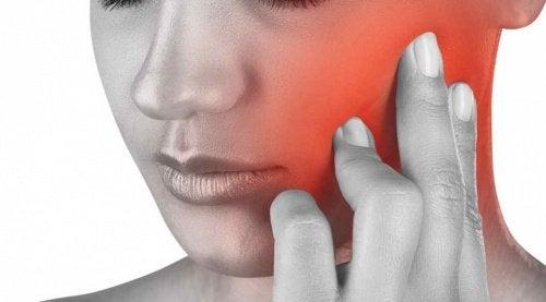 Har du smerter i kæben? Find ud af hvorfor!