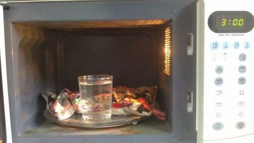 Varmepuder i en mikroovn