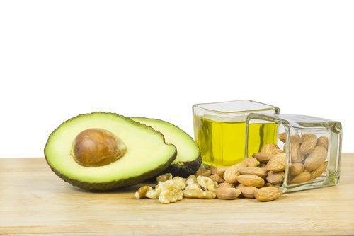 Avokado, mandler og olivenolie