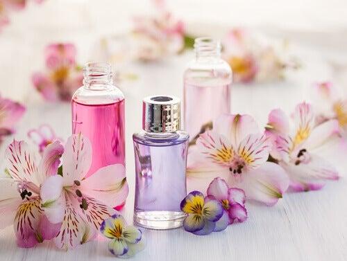 Fire ting du kan gøre med gamle parfumeflasker
