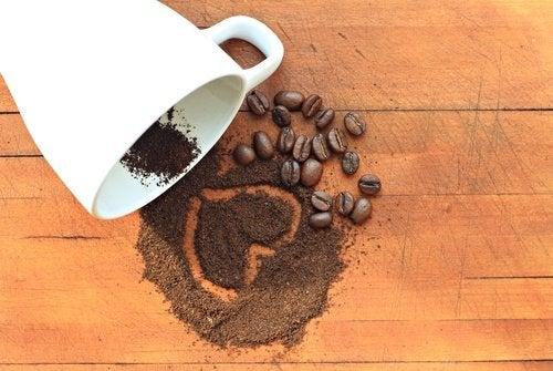 Kaffe - flad mave